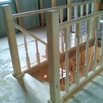 Деревянная лестница из сосны на второй этаж