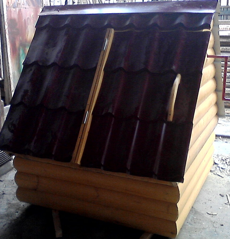 Колодец с подставкой (металлочерепица и блок-хаус)
