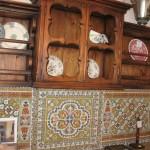 Элементы кухни в русском стиле – открытые полочки