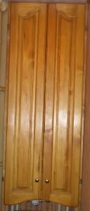 Деревянный фасад двухстворчатый