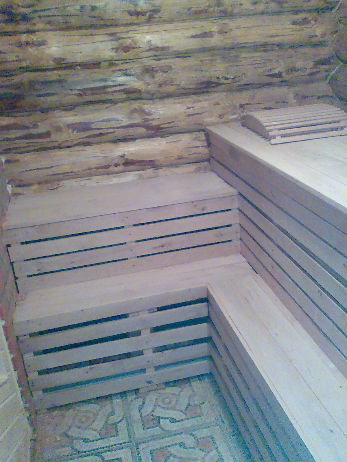 Деревянные полки для бани и сауны