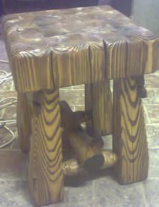 Табурет деревянный брашированный